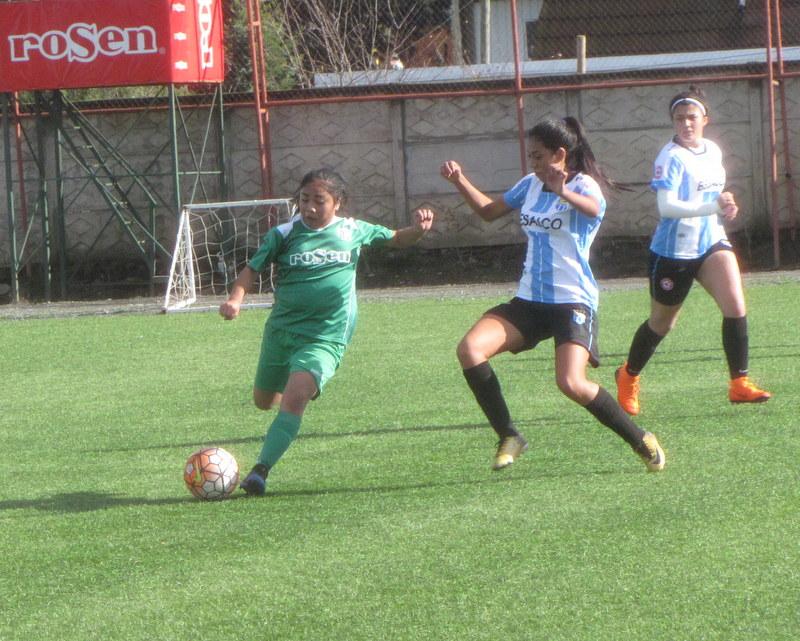 a3c84e3056fb3 La goleada de Deportes Temuco sobre Magallanes por la Fecha 5 de la serie  Adulta de la Zona Sur del Fútbol Femenino 2018. Prev Next