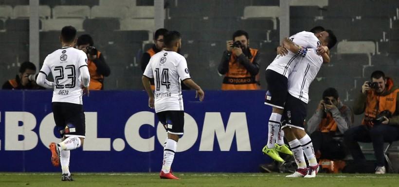 Colo Colo sigue en carrera tras vencer a Bolívar en otra noche inspirada de  Esteban Paredes. › 0cec9e665ab1f
