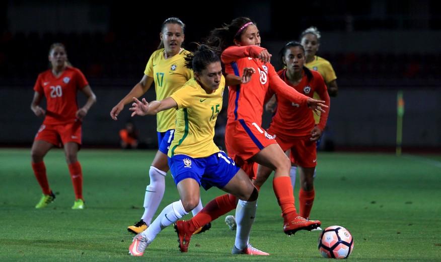 41b0ec1c9476b La Roja Femenina cayó ante Brasil y cerró la tanda de encuentros amistosos  de 2017. ›
